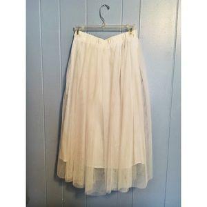 Dresses & Skirts - Tulle Midi Skirt